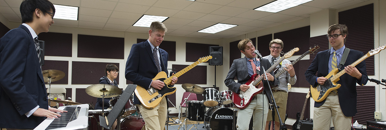Top college prep boys high school in CT with music program